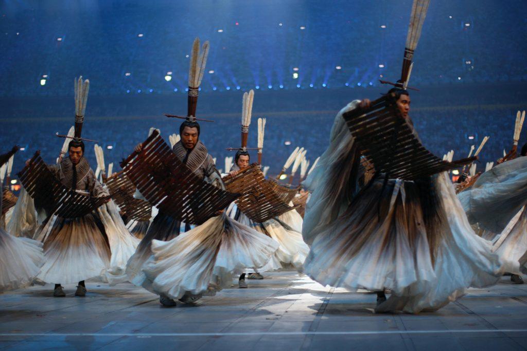 『北京夏季オリンピック開会式』 (チャン・イーモウ演出、2008年) 衣装デザイン  ©2008 / Comité International Olympique(CIO) / HUET, John