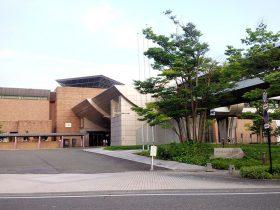 新潟県立近代美術館-長岡市-新潟県