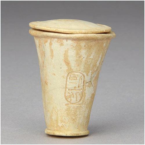 アメンヘテプ3世銘入蓋付容器めいいりふたつきようき エジプト 前1390 - 前1352年頃 新王国時代第18王朝 ガラス