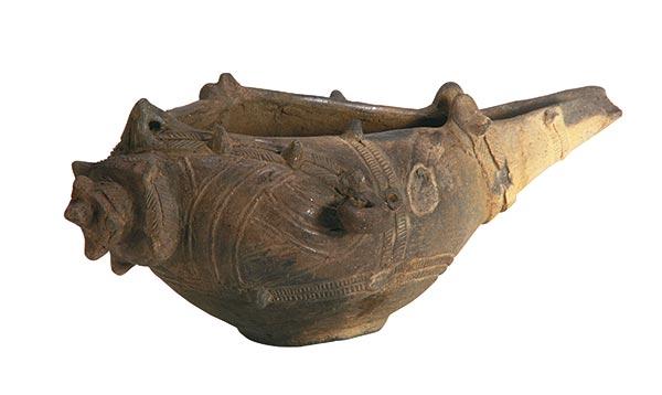 重要文化財 《巻貝形片口土器まきがいがたかたくちどき》 縄文時代 新潟・村上市教育委員会