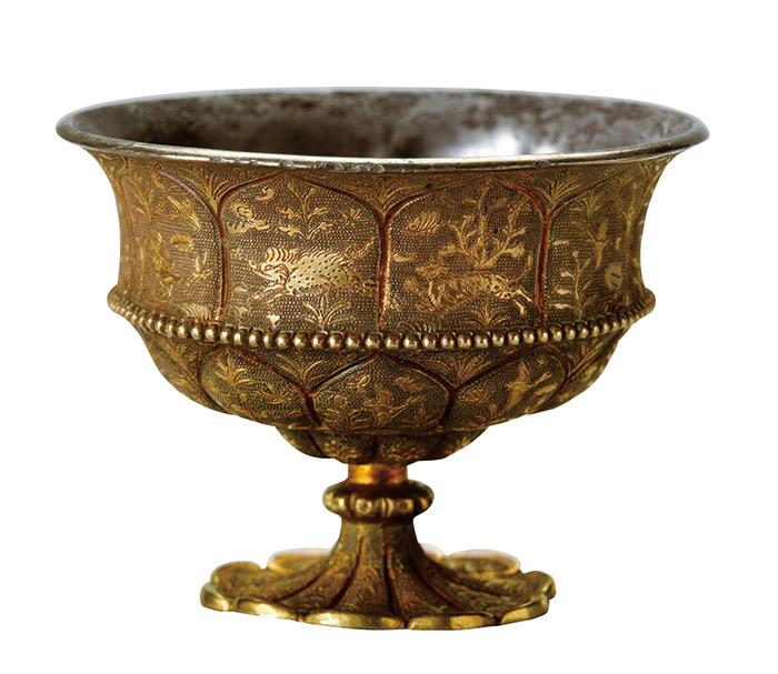 重要文化財 《花鳥獣文杯かちょうじゅうもんはい》 中国・唐時代 兵庫・白鶴美術館