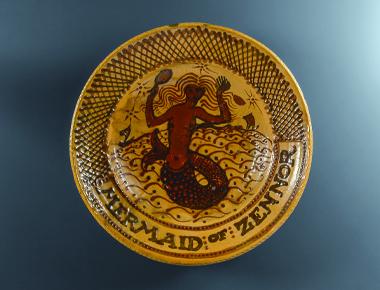 バーナード・リーチ《 ガレナ釉筒描人魚文大皿 》 1925年 大原美術館蔵 ©The Bernard Leach Family, DACS&JASPAR 2021 E4188