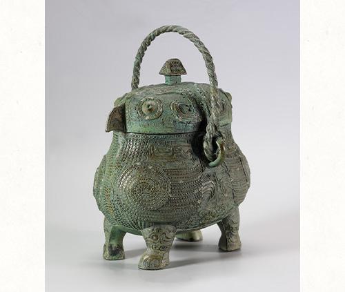 重要美術品 戈卣かゆう 中国・商時代後期  泉屋博古館 写真撮影:深井純