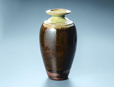 リチャード・バターハム《 飴釉花瓶 》 1998年頃 益子陶芸美術館蔵