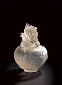 シール・ペルデュ蓋付花瓶《バラ》1921年