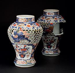 《色絵唐獅子牡丹文亀甲透彫瓶(部分修復)》 有田窯 1700-1730年代 ロースドルフ城蔵