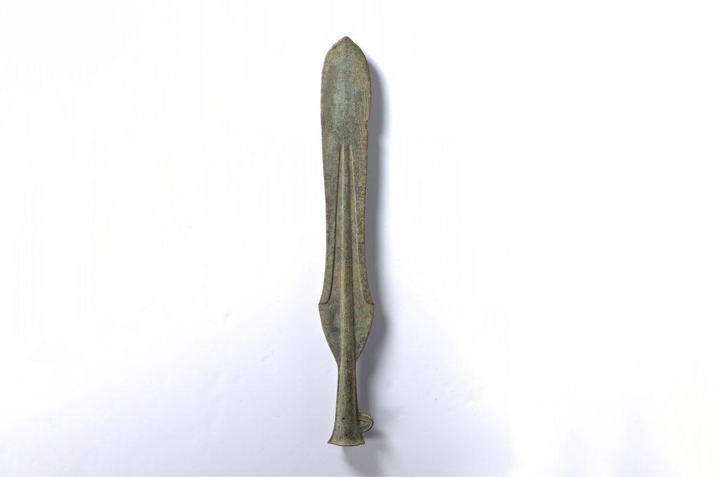 (伝)西予市宇和町出土広形銅矛 (京都国立博物館提供)