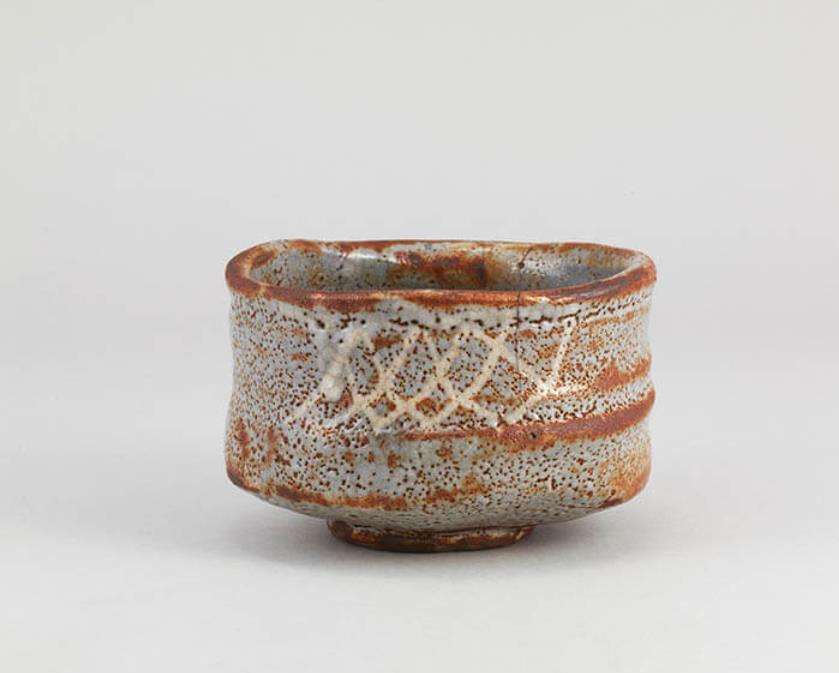 鼠志野茶碗 銘横雲(後期展示)