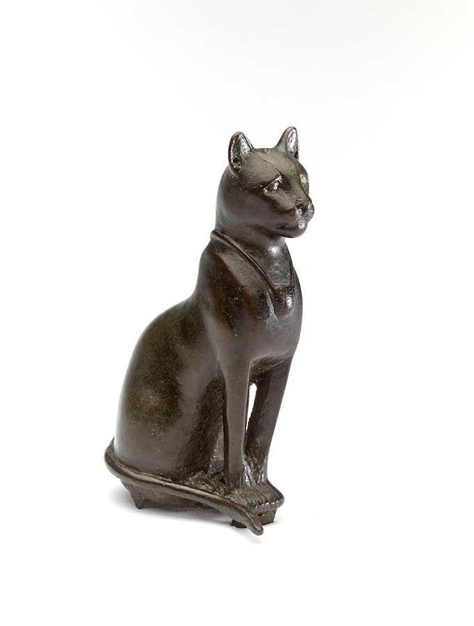 猫の青銅製像 前664~前332年頃、大英博物館蔵、 © The Trustees of the British Museum