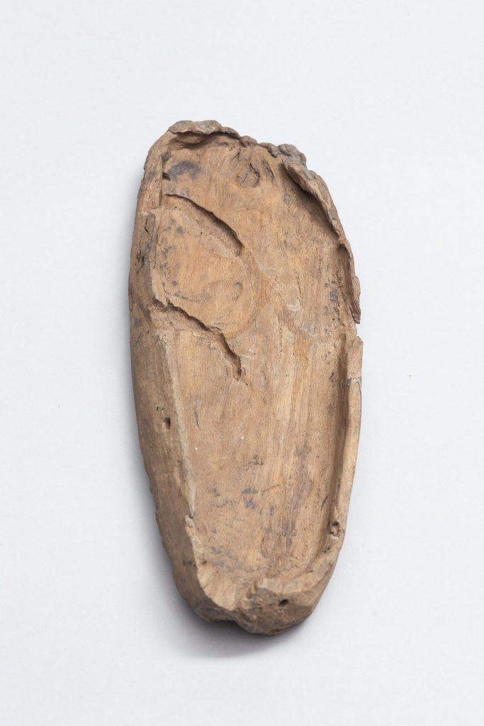 靴形木製品(土生遺跡-小城市教育委員会蔵)