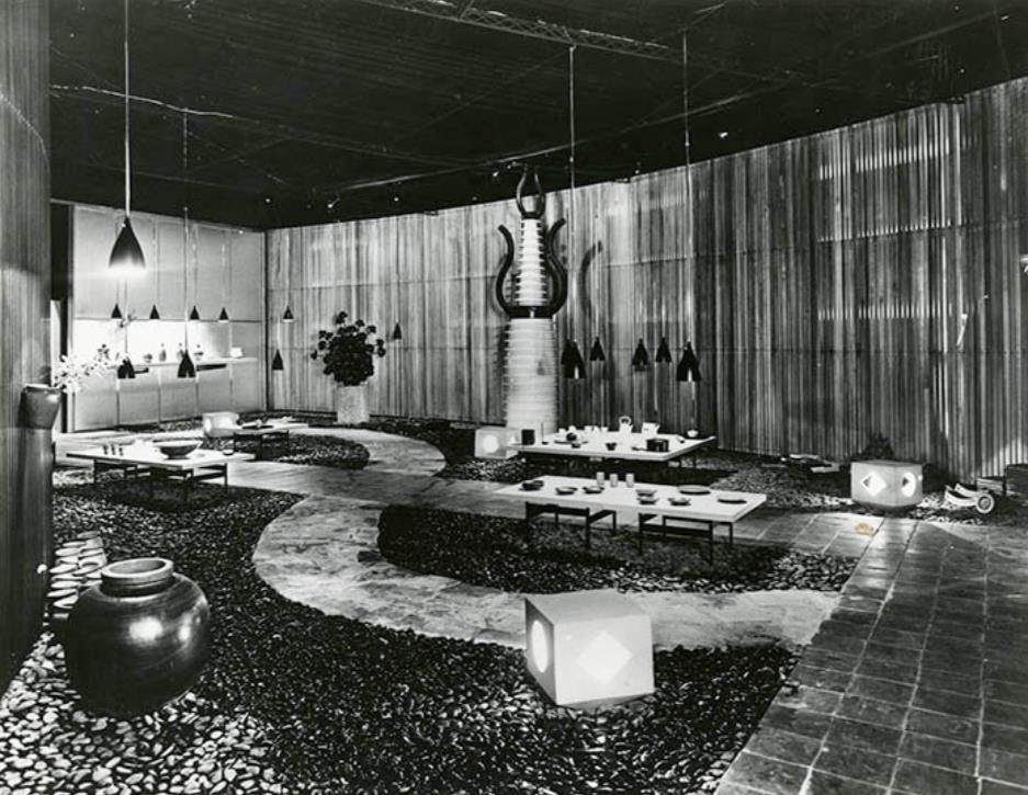 「第11回ミラノ・トリエンナーレ」会場風景、 1957年、国立近現代建築資料館蔵