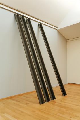 ヨーゼフ・ボイス《ユーラシアの杖》1968-69年 クンストパラスト美術館、デュッセルドルフ©️Kunstpalast – Manos Meisen – ARTOTHEK