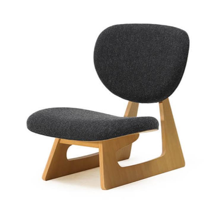 坂倉準三建築研究所(担当:長大作) 《低座椅子》 1960年、株式会社天童木工蔵