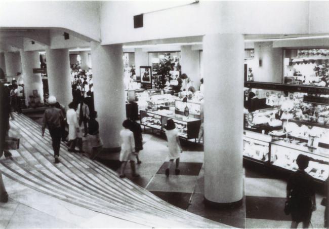 高島屋大阪難波新館改増築(1950年)、高島屋史料館提供