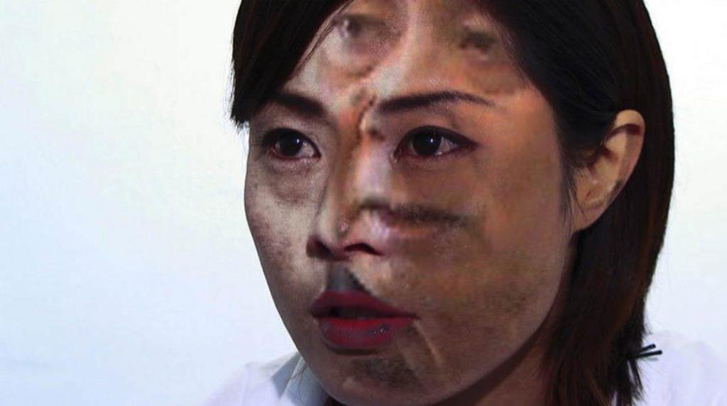 山城知佳子《あなたの声は私の喉を通った》ビデオ(2009)©Chikako Yamashiro, Courtesy of Yumiko Chiba Associates