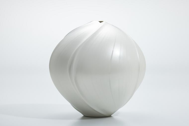 中田博士≪真珠光彩壺≫2021年