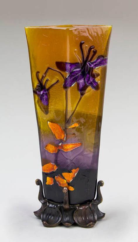 《オダマキ文台付花器》エミール・ガレ 1898年頃 ブダペスト国立工芸美術館