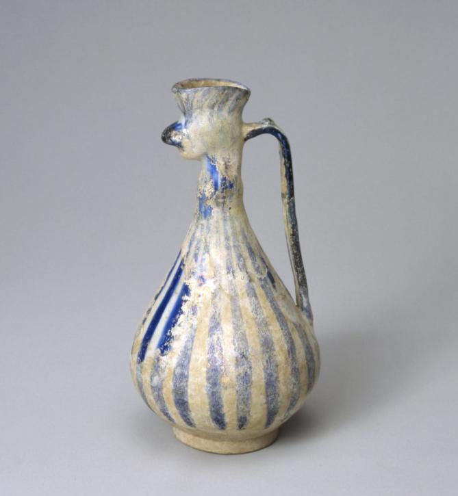 白磁藍彩縞文鳳首水注 イラン 12-13世紀