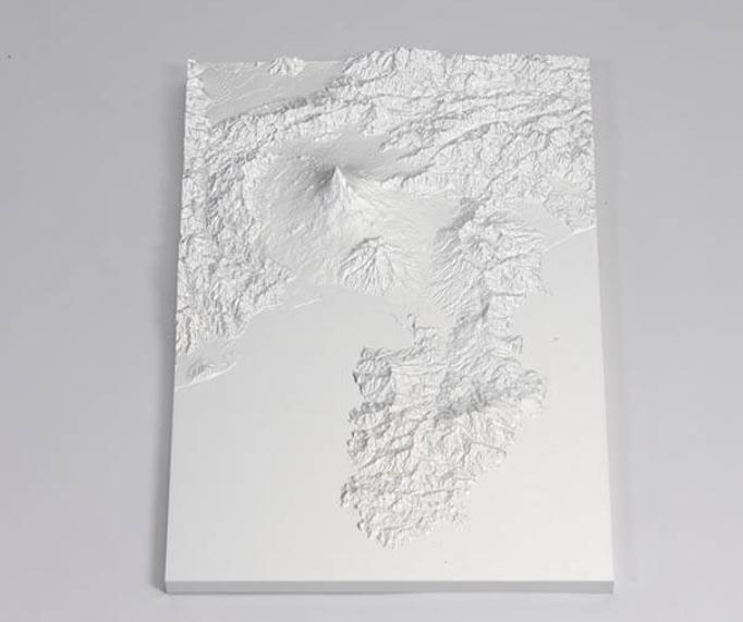 富士山立体地図 株 式会社三木製作所 所蔵 試触コーナー「なぜさわるのか、どうさわるのか」国立民族学博物館 提供