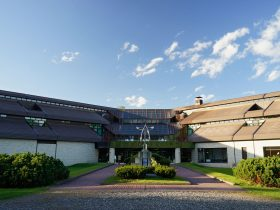 帯広百年記念館 アイヌ民族文化情報センター-帯広市-北海道