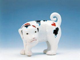 《色絵仔犬置物》 1670~1710年代 佐賀県立九州陶磁文化館