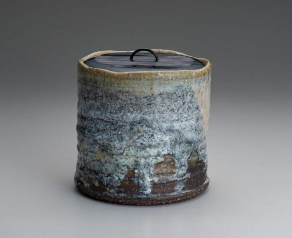 灰被水指(塗蓋・萬象) 寸法:幅16.5×高さ15.8㎝
