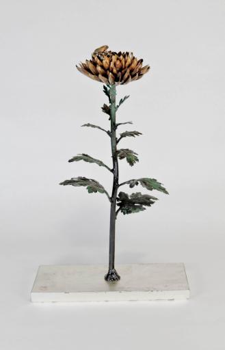 原田 武 向暑 -輪菊と蛙- - 2021  Sculpture  H38.5 × W24.8 × D9.8
