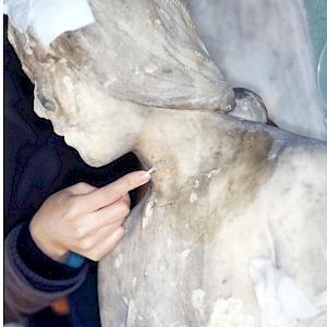 「我に触れよ(Tangite me):コロナ時代に修復を考える」慶應義塾大学アート・スペース(KUAS)