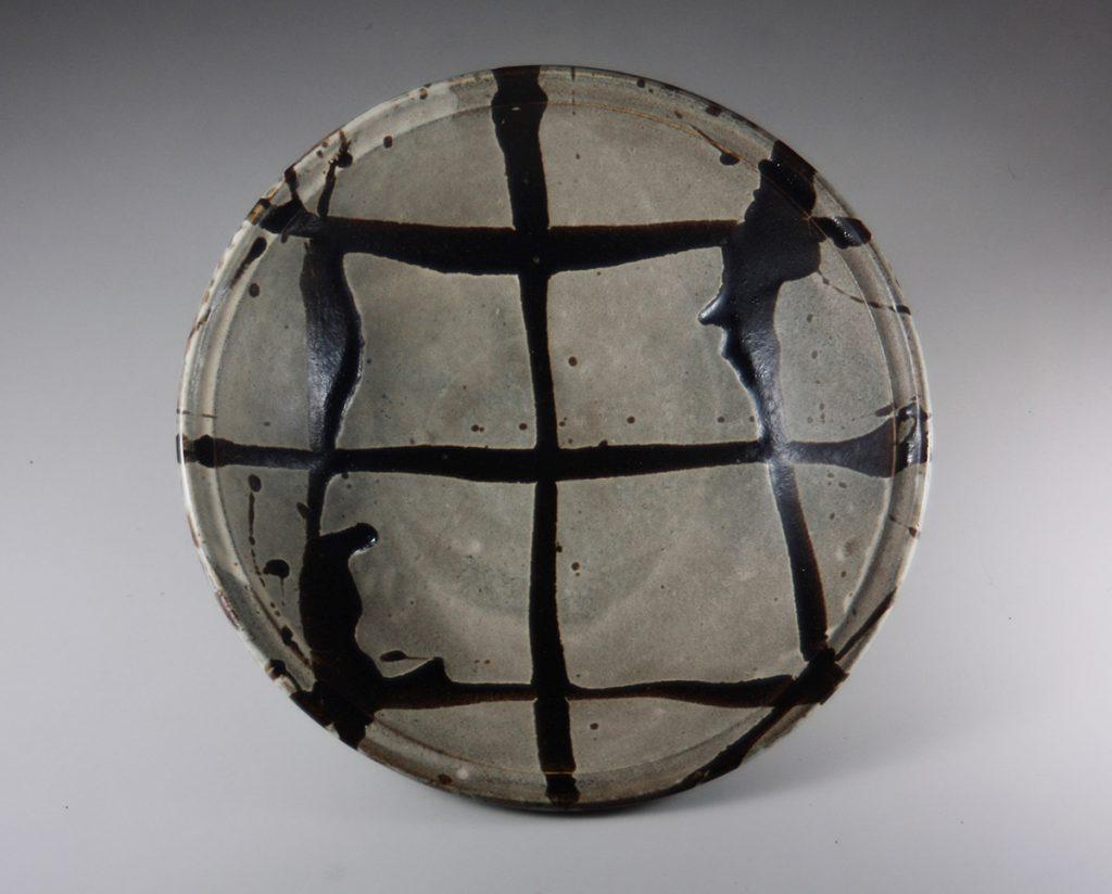 白釉黒流描鉢 濱田庄司 1963年 日本民藝館蔵