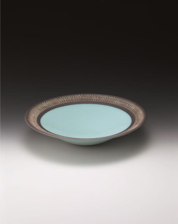 中野月白瓷掛分鉢  サイズ:径40.3×高9㎝