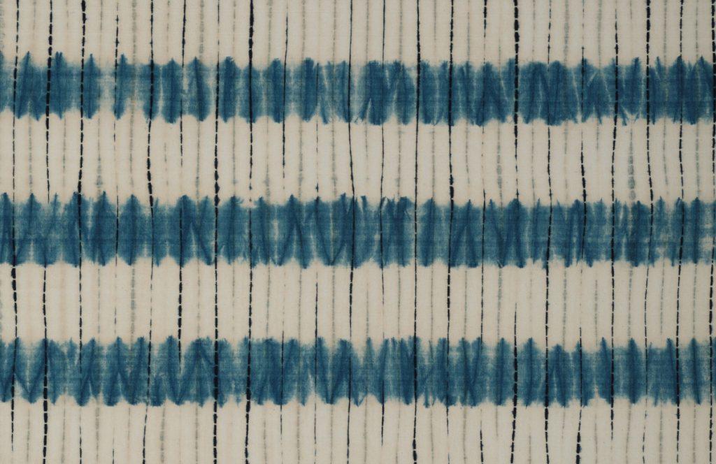 藍染筋立段絞り絞布(部分) 片野元彦 1970年代前半 日本民藝館蔵