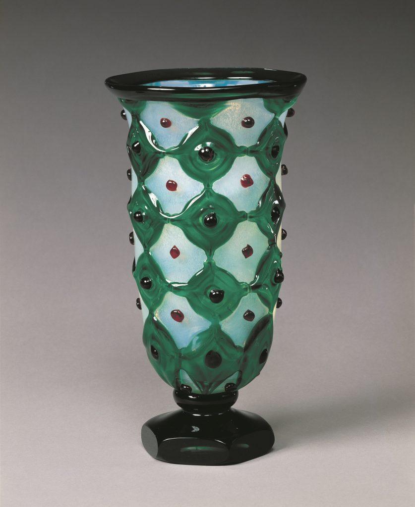 岩田久利 《花器》 1982年 町田市立博物館蔵