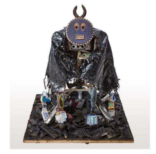 「E-waste God on the slum」  (Oil,E-Waste,Wood、120×120cm)