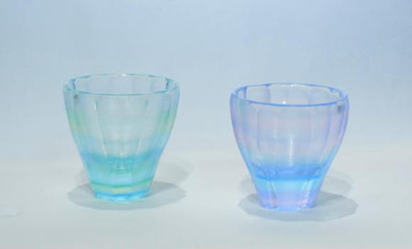 大槻洋介 《酒杯 彩りの記憶》 2021年 ガラス 各W6.5×D6.5×H6.5 cm