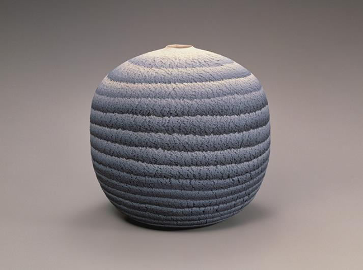 松井康成(1927-2003) 練上嘯裂文大壺 1979年 茨城県陶芸美術館蔵
