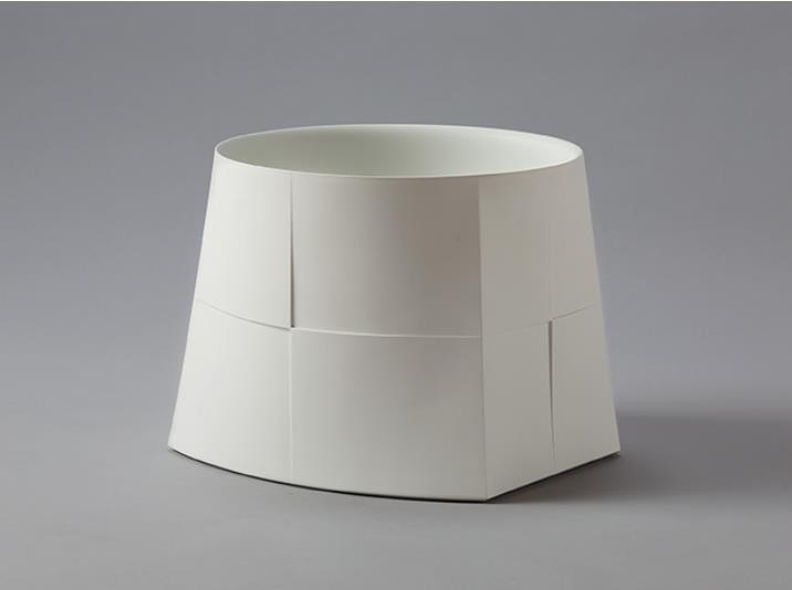 和田的(1978-) 白器 ダイ/台  2017年 茨城県陶芸美術館蔵