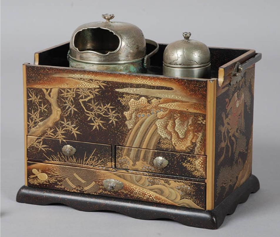 《養老図蒔絵煙草盆》 江戸時代(19世紀) 永青文庫所蔵 熊本県立美術館寄託