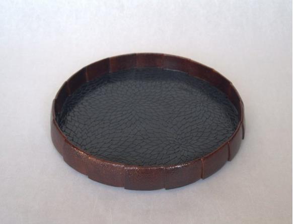 【陶漆菊つなぎ文鎬皿】径26.5×高さ4cm