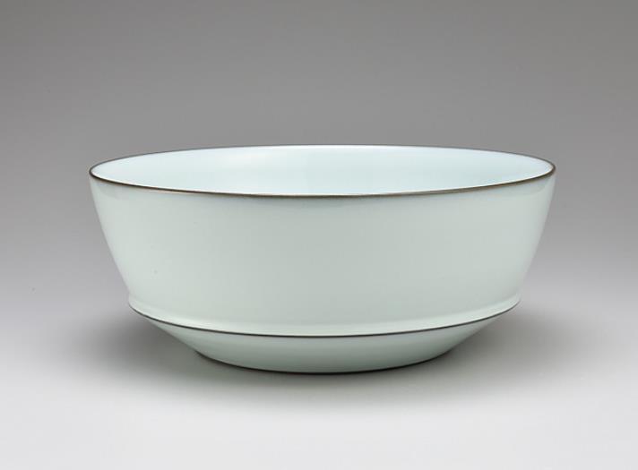 福島善三(1959-) 中野月白瓷鉢 2017年 茨城県陶芸美術館蔵