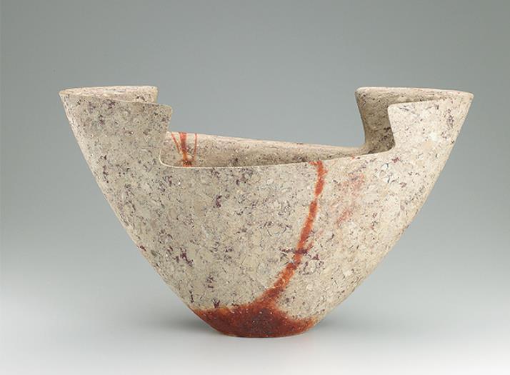 隠﨑隆一(1950-) 備前広口花器  2012年 個人蔵